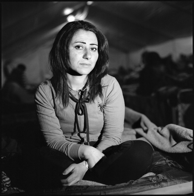 http://marcelobiglia.com/files/gimgs/th-26_Idomeni_B&W-087_v4.jpg